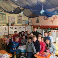 Вълшебството на Коледа, 1 а клас, с класен ръководител Силвия Цветина.