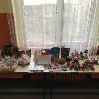 """На 22.12.2017 г. в 76 ОУ """"Уилям Сароян"""" ученици, учители и родители организираха Коледен базар."""
