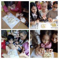 Учениците от ГЦОУД приготвиха хляб, в месеца на народните традиции.