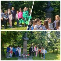 Учениците от 3а клас почетоха паметта на Христо Ботев в Борисовата градина съвместно с г-жа Фандъкова!